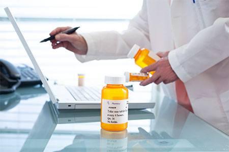 pharmacy-technician-school